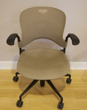 Pre-Owned Herman Miller Caper Chair