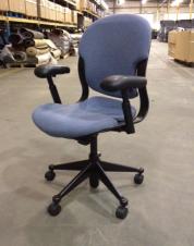 Equa Chair