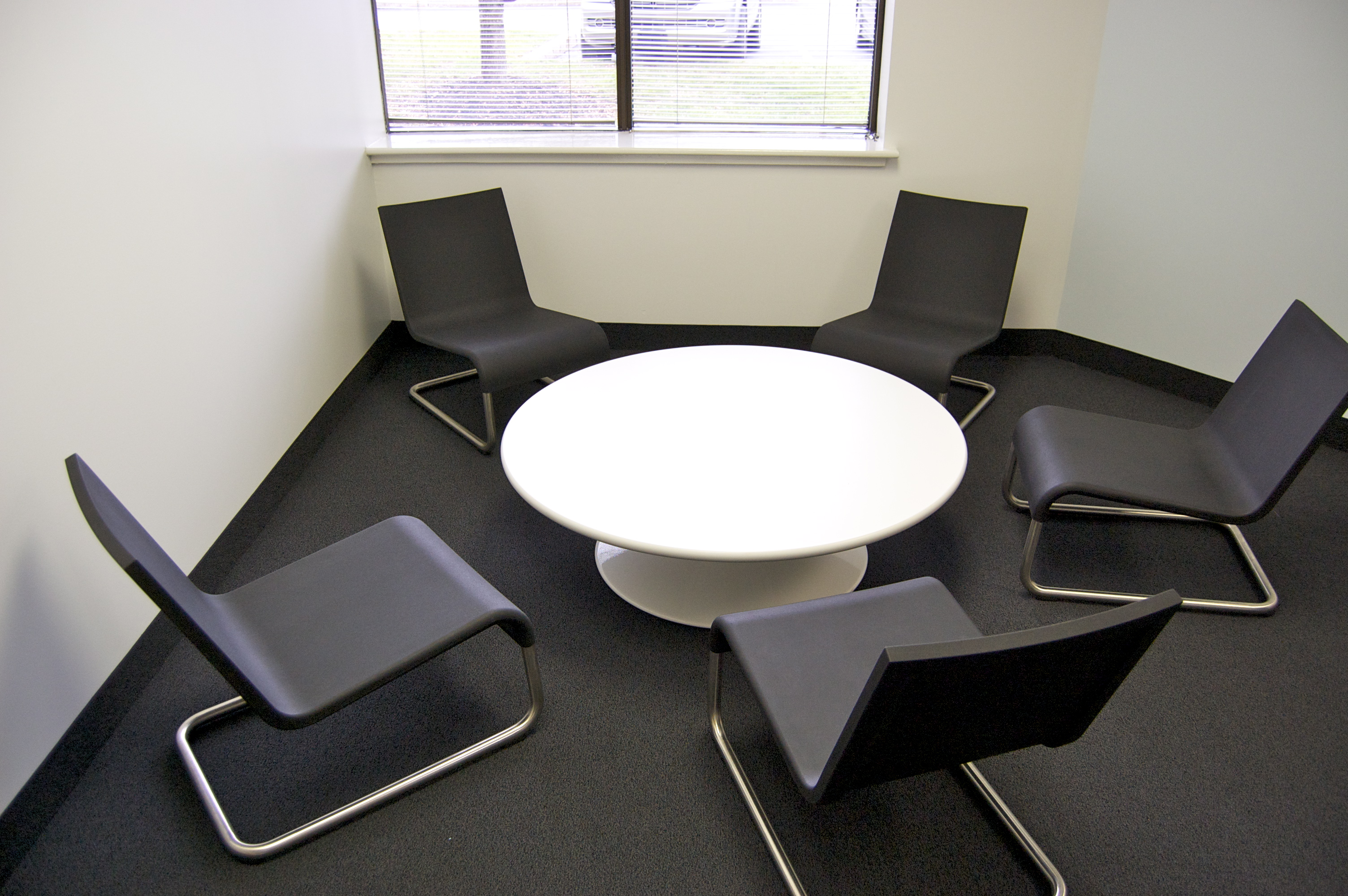 conference tables nyc ethosource. Black Bedroom Furniture Sets. Home Design Ideas