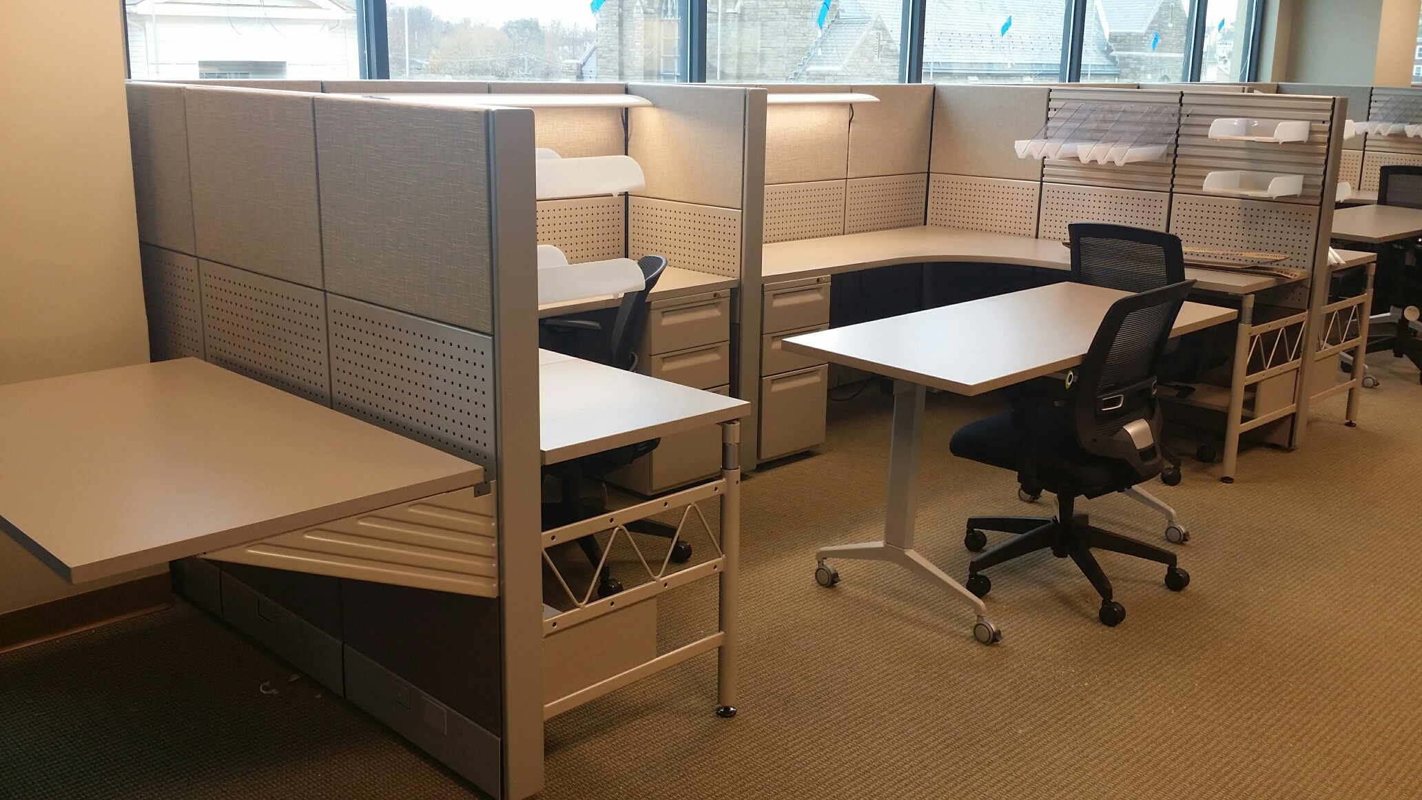 Office Furniture: Blend Of New And Used Office Furniture Creates Beautiful